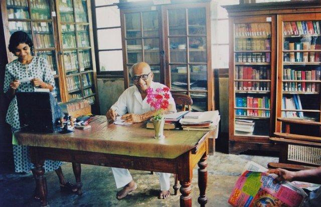 Sri Lanka: Im Innern der kleinen Bibliothek, (c) Madalena Reis