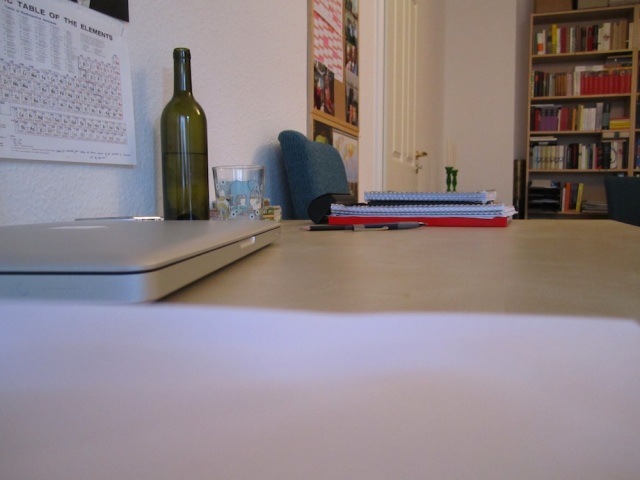 Lesen am Schreibtisch