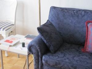 Leseeckchen auf dem Sofa, Foto: © Norman Weiß