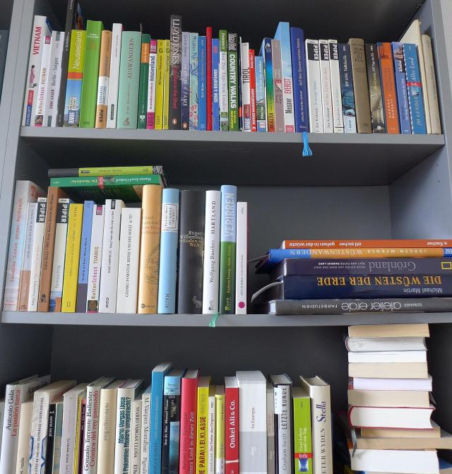 Shelfies22_MarenWulf